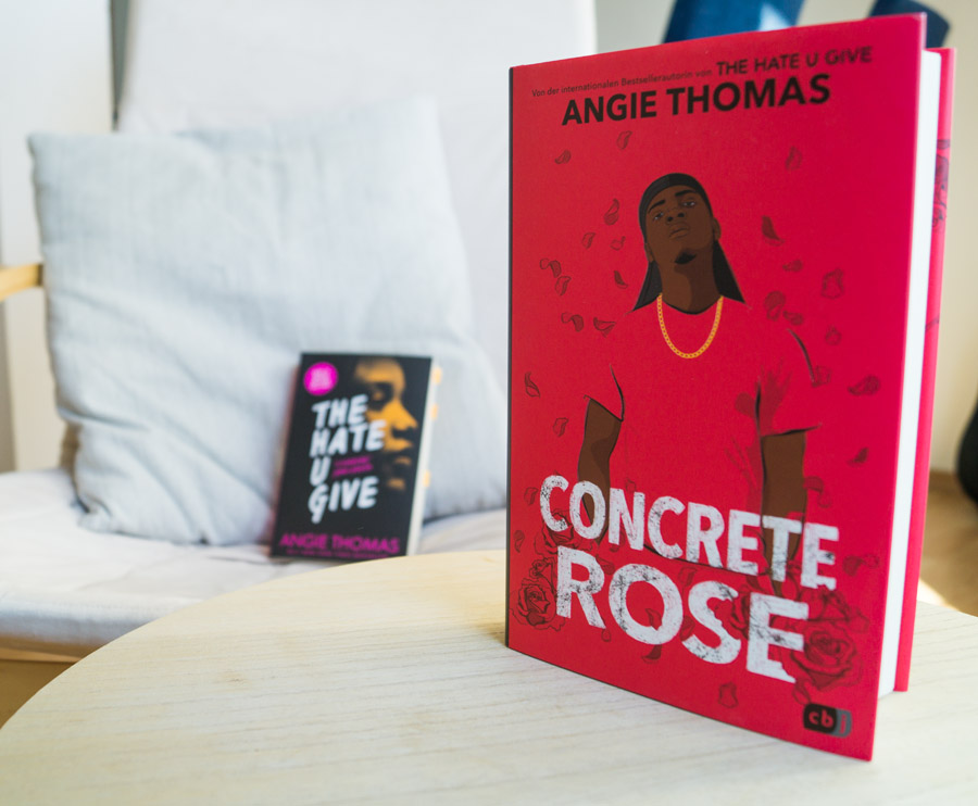 """Angie Thomas' Buch """"Concrete Rose"""""""